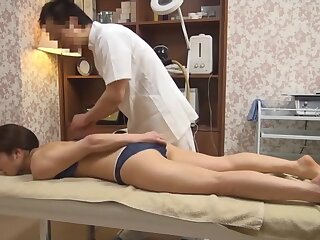 Excruciating Join in matrimony Gets Vilifying Rub-down (Censored JAV)