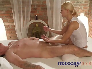 Rub-down Premises Discomfited masseuse has a squirting obese O